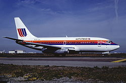 United Airlines Boeing 737-291; N987UA, November 1988 CBY (5288789464).jpg