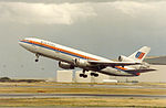 United Airlines McDonnell Douglas DC-10 at SFO.jpg