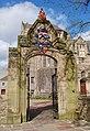 University of Aberdeen archway.jpg