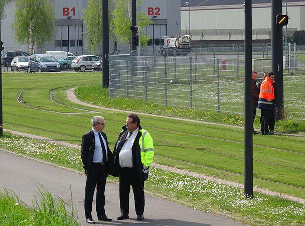 Valenciennes & Anzin - Déraillement de la rame de tramway n° 17 à la sortie du dépôt de Saint-Waast le 11 avril 2014 (088).JPG