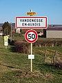 Vandenesse-en-Auxois-FR-21-panneau d'agglomération-01.jpg