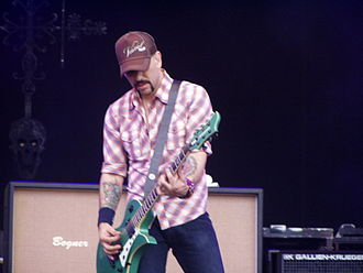Dave Kushner - Dave live with Velvet Revolver at Gods of Metal 2007