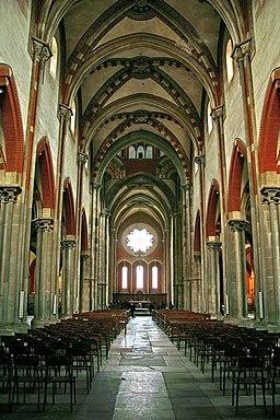 Vercelli SantAndrea interno