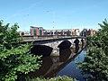 Victoria Bridge, Glasgow, 2018-06-27, from South-East 1.jpg