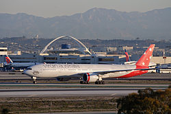 Virgin Australia - VH-VOZ - Flickr - skinnylawyer.jpg