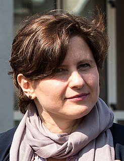 Roxana Mărăcineanu French politician and swimmer