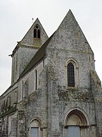 Voulton (77) Eglise priorale Clocher et Façade occidentale.jpg
