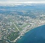 Vue aérienne de l'aéroport de Cannes-Mandelieu.jpg