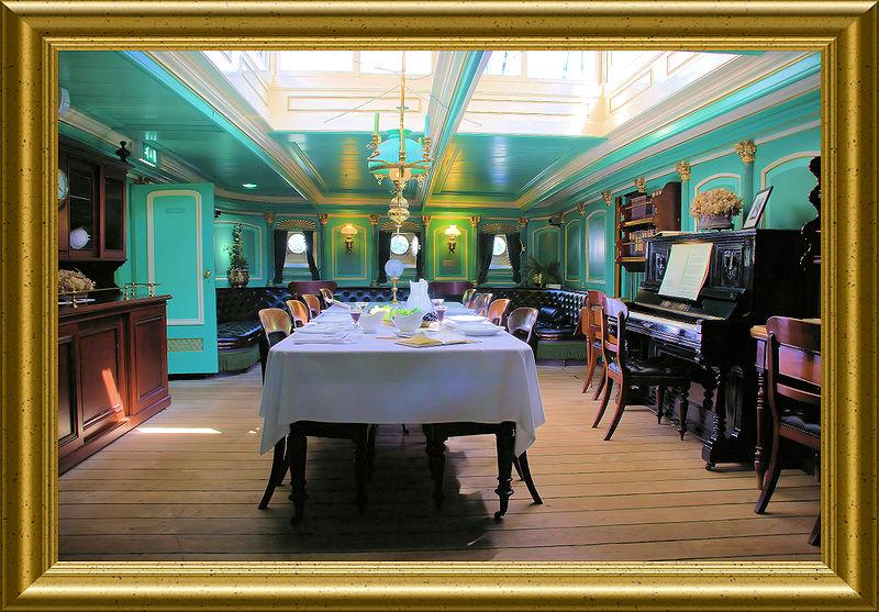 File:WLANL - Quistnix! - Maritiem Museum - longroom in museumschip 'De Buffel'.jpg