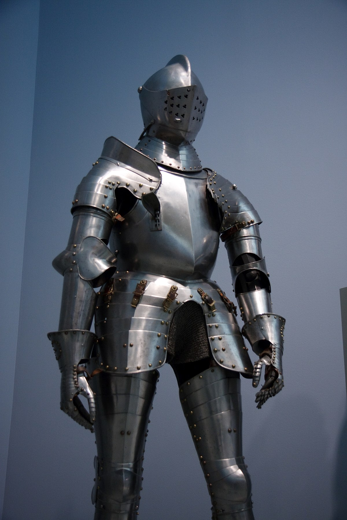 suit of armour wiktionary