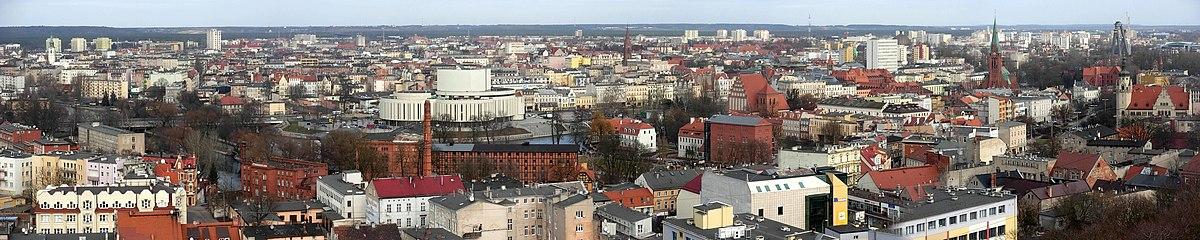 Polski: Panorama centrum miasta z wieży ciśnień