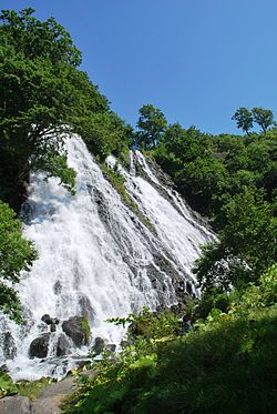 Waterfall of Oshinkoshin 03.JPG