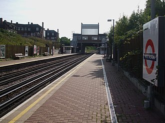 West Acton tube station - Image: West Acton stn look west