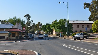 Williamstown, South Australia - Queen Street, the main street of Williamstown
