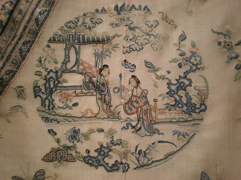 File:Woman's summer robe Asian Art Museum SF 2004.36 central embroidery detail.JPG