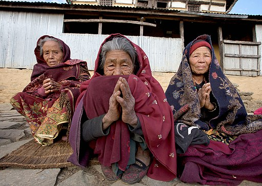 Women from a community in Nepal that benefits from UK aid (6966758171)