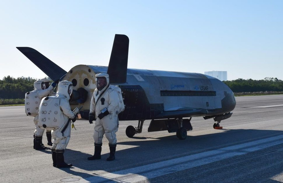 X-37B OTV4 landed at Kennedy Space Center (170507-O-FH989-001)