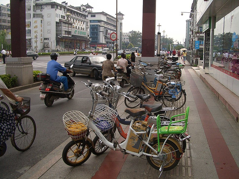 Yangzhou-WenchangLu-electric-bicycles-3278