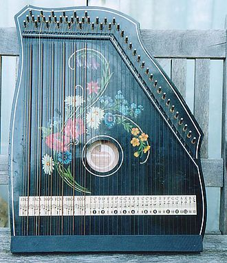 Zither - Typical chord (or fretless) 'guitar zither'