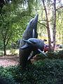 Zwei Delphine Askanierring 60 Spandau3.jpg