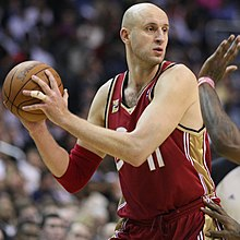 d9c99fbb7468 Ilgauskas in a game against the Washington Wizards in 2009