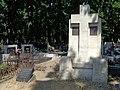Łódź-Fischer and Knobloch families grave.jpg