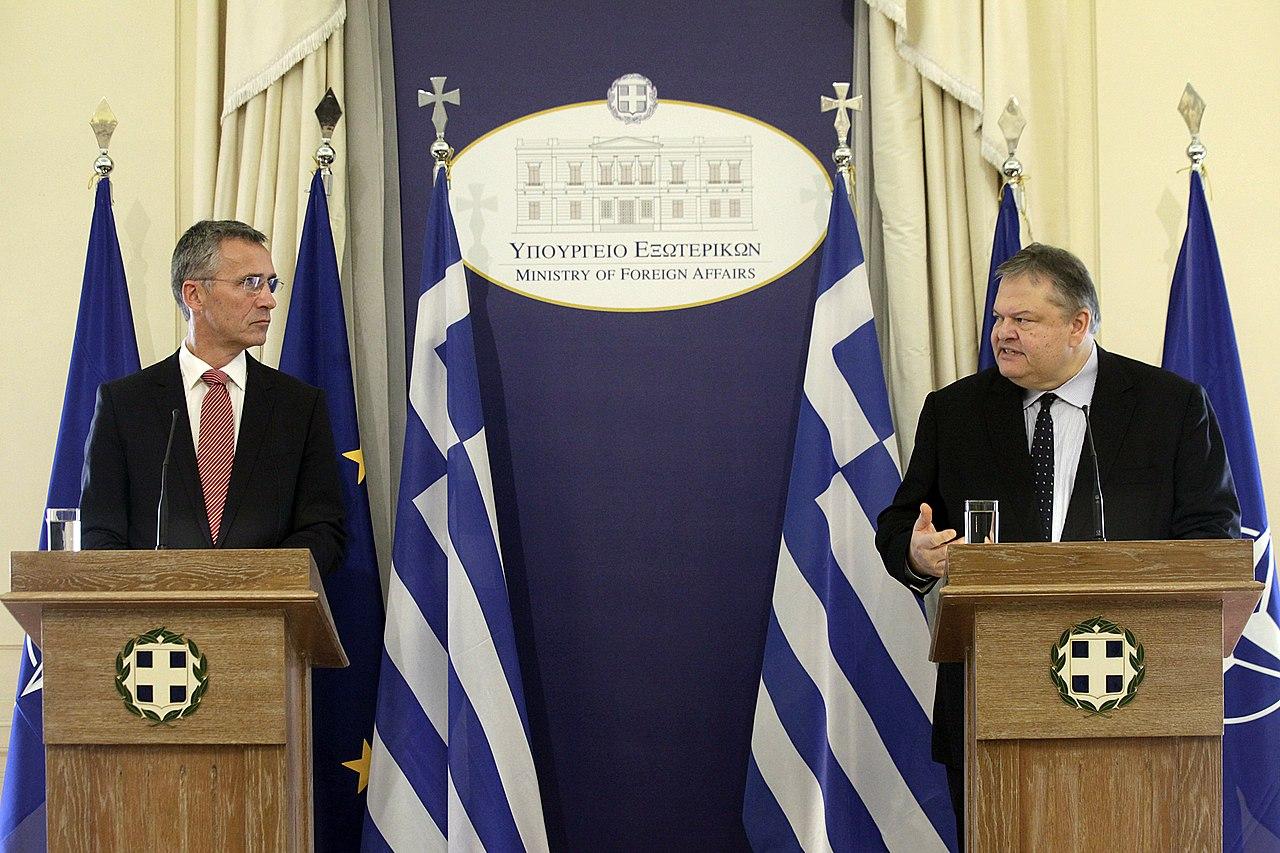 Συνάντηση ΑΚΥΠΕΞ Ευ. Βενιζέλου με τον Γενικό Γραμματέα του ΝΑΤΟ J. Stoltenberg (15046287843).jpg