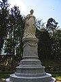 Восстановленный памятник королеве Луизе в парке Якобсруэ.jpg
