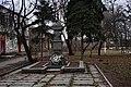Гнівань (56) Братська могила 19 танкістів.jpg