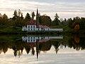 Черное озеро и Приоратский дворец.jpg