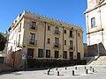084 Edifici a la pl. Barberà, 1 - c. de la Costa (Badalona).jpg