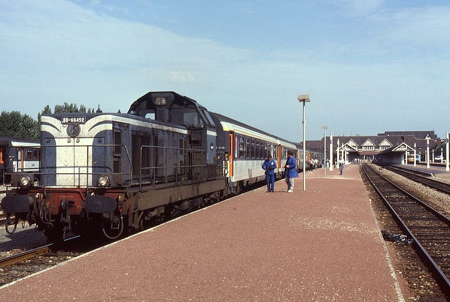 BB66452 having backed onto the stock at Trouville-Deauville to take over the train for the final stage to Dives-Cabourg. Taken on 15 August 1992, train E3971, 08:29 Paris-St-Lazare to   Dives-Cabourg. Although not in view, the train was worked from Paris by BB67371 and BB67422, some coaches were left behind here at Teouville-Deauville after the reversal.