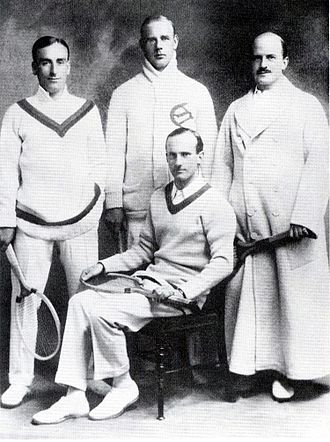 Henry Mayes - Mayes (standing left) and the 1913 Davis Cup Team
