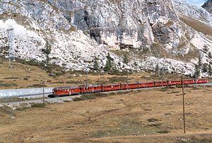 Motor coach (rail) - Image: 19900922K086 27