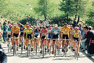 1991 Giro d'Italia - The autobus climbing Sestriere during the thirteenth stage that saw the Alpine mountain crossed twice.