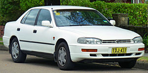 Toyota Camry (XV10) - Image: 1994 1995 Toyota Camry Vienta (VDV10) CSX sedan (2011 04 02)