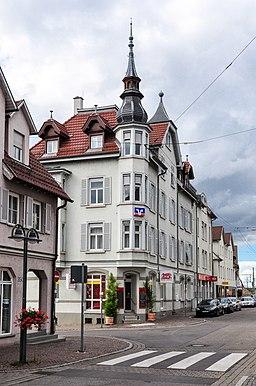 1 Augsburger Straße 348 (Stuttgart-Untertürkheim) Süd- und Ostfassade