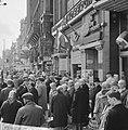 1 mei grote drukte van toeristen in Amsterdam, Bestanddeelnr 916-3783.jpg