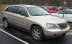 2004-06 Chrysler Pacifica.jpg