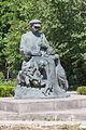 2014 Prowincja Szirak, Giumri, Pomnik dziadka z dziećmi (02).jpg