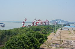 201705 Container Cranes at Wuhu Port.jpg