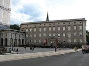 2046 - Salzburg - Residenzplatz - Residenz.JPG