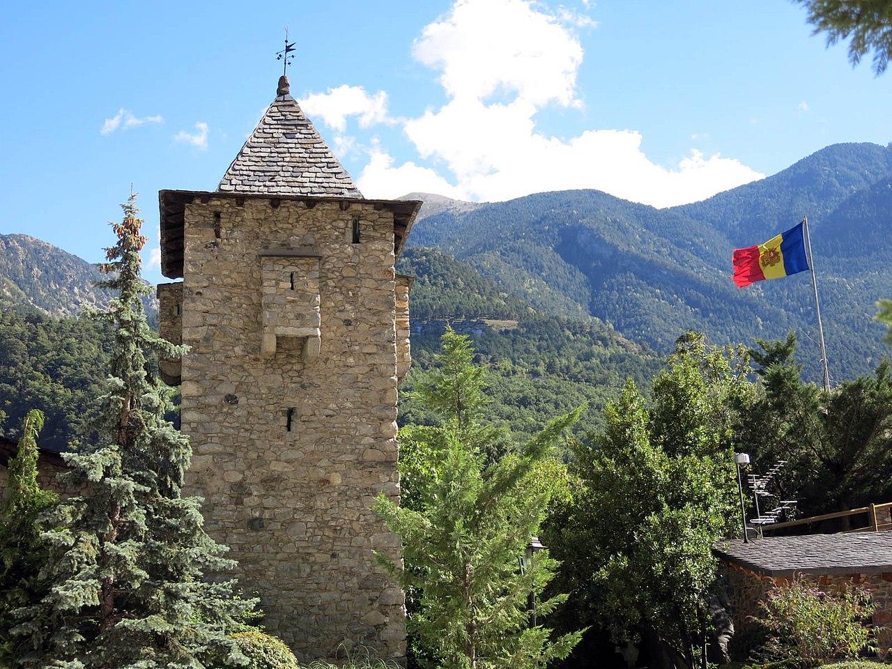 File 359 casa de la vall andorra la vella torre jpg wikimedia commons - Andorra la vella apartamentos ...
