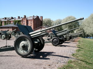 76 mm divisional gun M1936 (F-22) - 76-mm divisional gun F-22 in The Artillery Museum of Finland, Hämeenlinna
