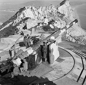 BL 9.2 inch gun Mk IX–X - Mk X gun facing north at Breakneck Battery on Gibraltar January 1942.