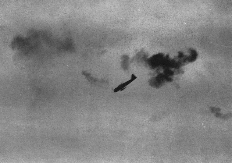 A6M kamikaze attacking c1945