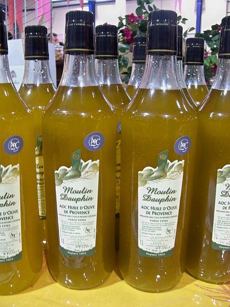 File aoc huile d 39 olive de provence jpg wikimedia commons for Huile d olive salon de provence