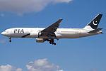 AP-BGL Boeing 777 Pakistan (14787599955).jpg