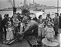 Aankomst Uiterton 100 jaar KMI Den Helder, Bestanddeelnr 906-7920.jpg