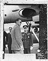 Aankomst van Prins Bernhard op het vliegveld van Madrid, Bestanddeelnr 911-6595.jpg